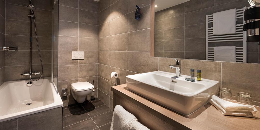 G_Radison-Blue-Badischer-Hof_superior class bathroom1.high res