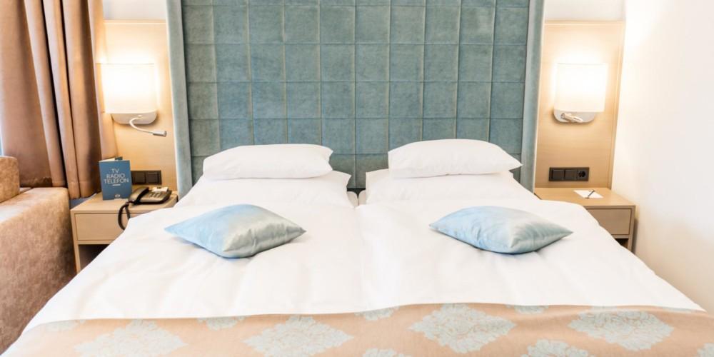 hotel-warmbaderhof-doppelzimmer-supreme-detailansicht