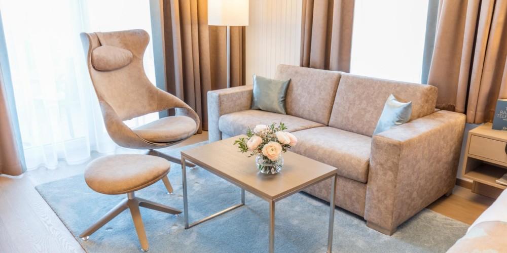 hotel-warmbaderhof-doppelzimmer-supreme-sitzecke