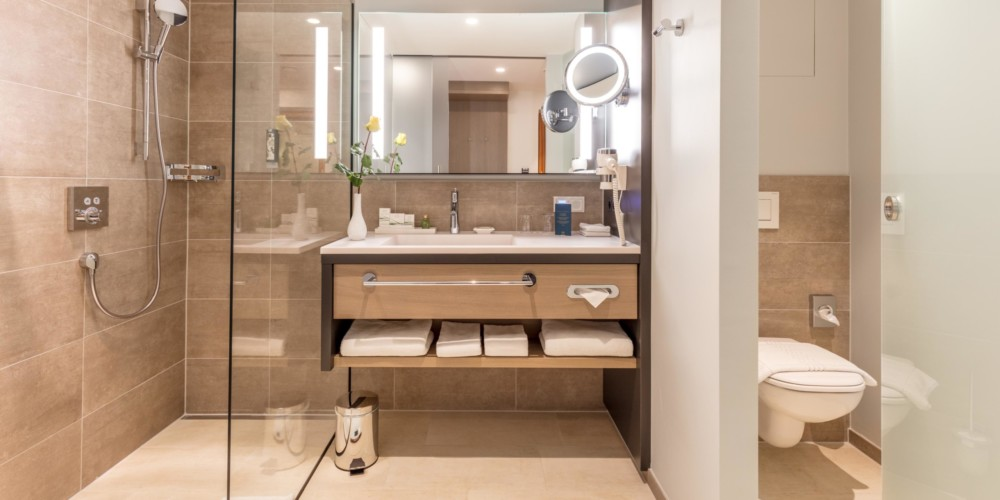 hotel-warmbaderhof-doppelzimmer-supreme-badezimmer (3)