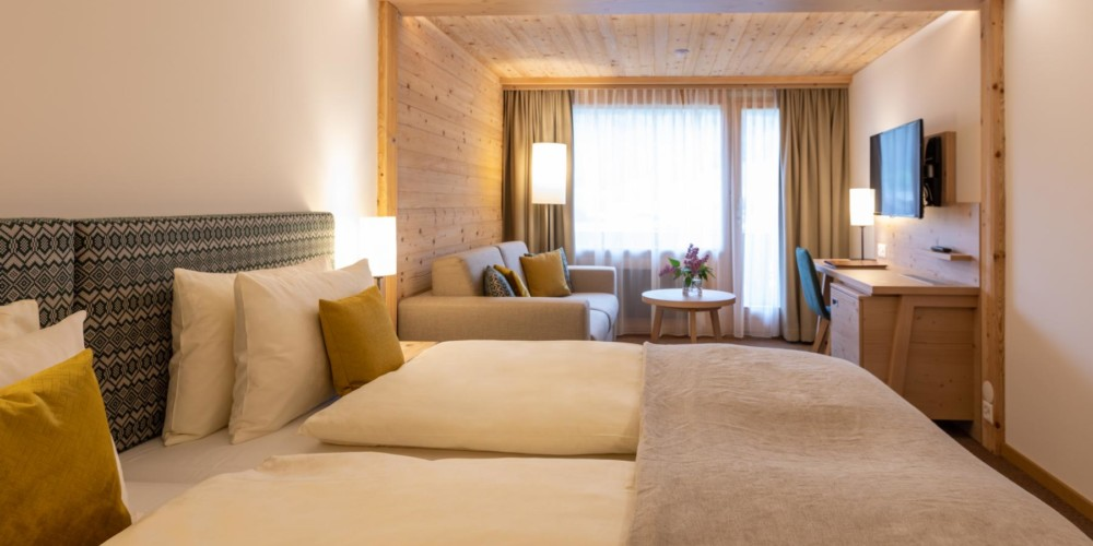 COM1D-Hotel-Gstaaderhof-Room-with-twin-double-bed 3